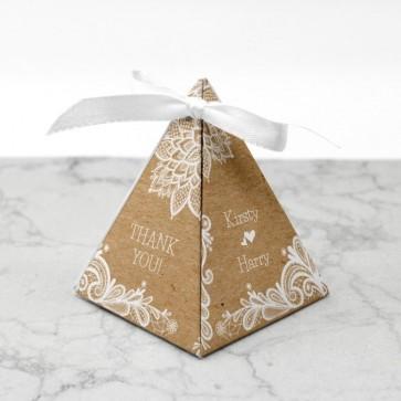 Piramide doosje huwelijksbedankje - Vintage Lace