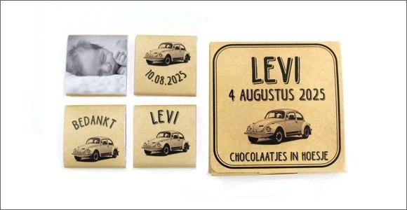 chocolaatjes-in-hoesje-geboortebedankje