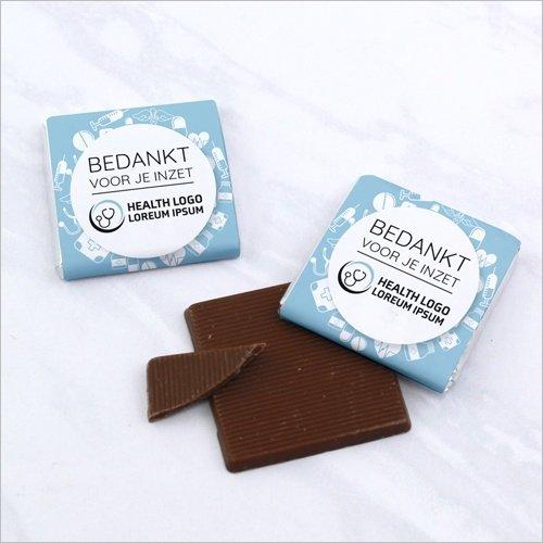 mini-chocolaatjes-met-logo-de-dag-van-verzorging